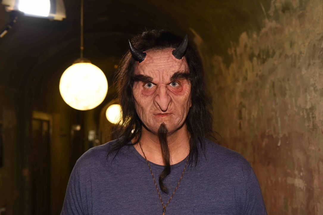 Marvin, der Vampir - Bildquelle: sixx / Andre Kowlaski