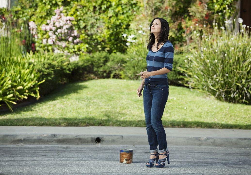 Sieht sich schon als Gewinner, doch Grayson macht Jules (Courteney Cox) einen Strich durch die Rechnung und besiegt sie in letzter Sekunde im ultima... - Bildquelle: 2009 ABC INC.