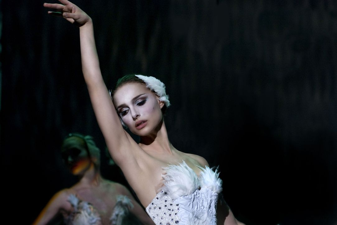 """In der Rolle des weißen Schwans in Tschaikowskis """"Schwanensee"""" scheint die junge Ballerina Nina (Natalie Portman) sofort aufzugehen, doch für den Ge... - Bildquelle: 20th Century Fox"""