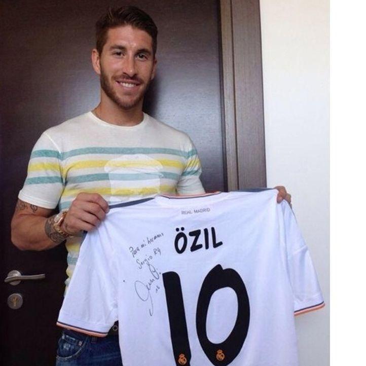 Heißester Spieler der WM: Sergio Ramos aus Spanien  - Bildquelle: Twitter/Sergio Ramos