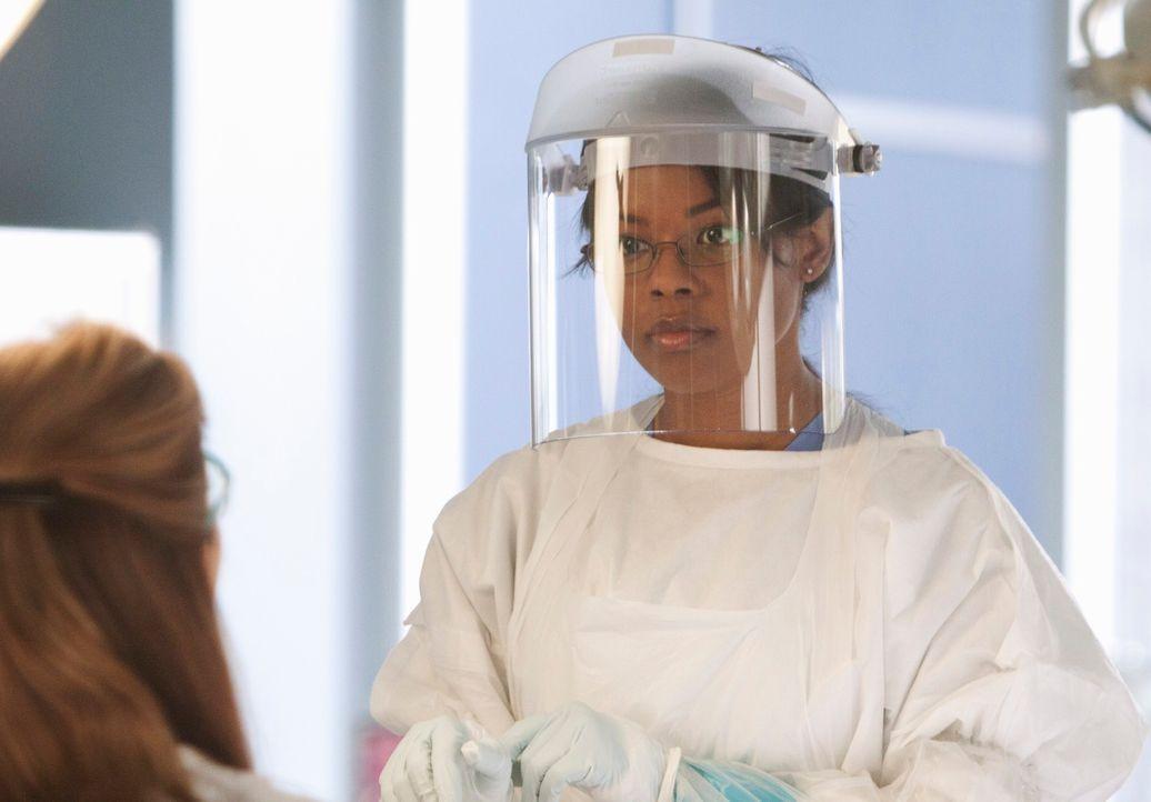 Im Sektionssaal erlebt Medizinstudentin Dora Mason (Dana Davis) eine böse Überraschung. Auf ihrem Tisch liegt die Leiche einer unbekannten jungen Fr... - Bildquelle: 2011 American Broadcasting Companies, Inc. All rights reserved.