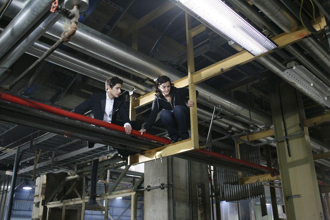 Gemeinsam versuchen Jesse (Jaimie Alexander, r.) und Kyle (Matt Dallas, l.) Amanda zu finden. Doch werden sie fündig? - Bildquelle: TOUCHSTONE TELEVISION