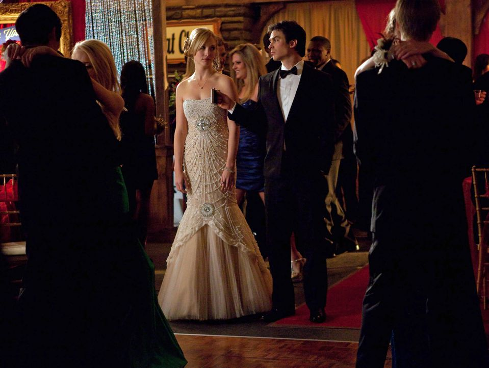 Caroline und Damon - Bildquelle: Warner Bros. Entertainment Inc.