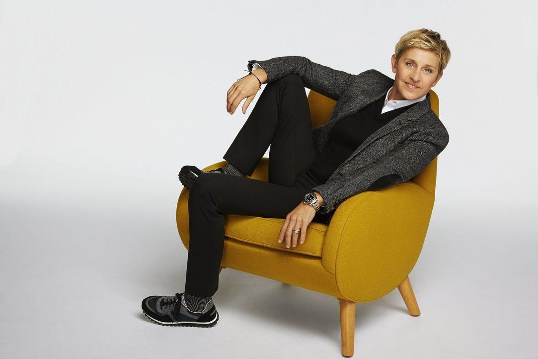 (1. Staffel) - Ellen DeGeneres lässt erfinderische Bastler gegeneinander antreten. Sie sollen in kürzester Zeit besondere Möbel zaubern ... - Bildquelle: 2015 Warner Bros.