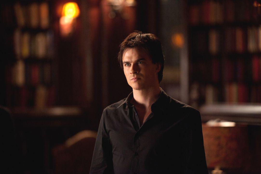 Damon Salvatore (Ian Somerhalder) ist wütend, weil Elena Elijah wieder zum Leben erweckt hat ... - Bildquelle: Warner Bros. Television