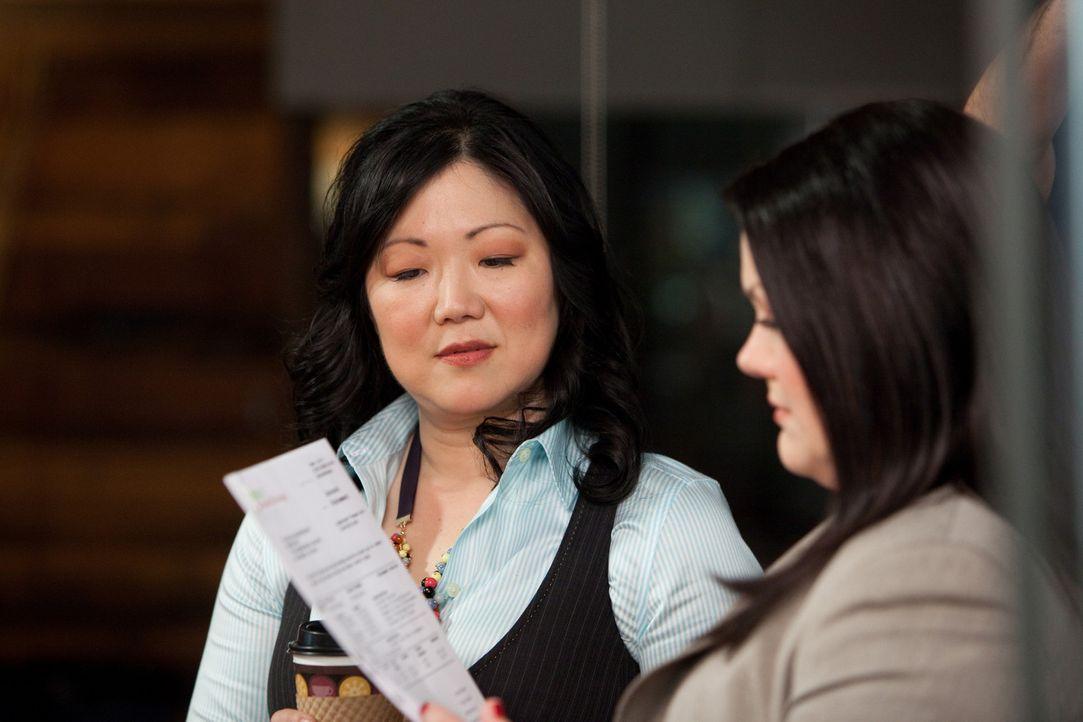Mit gemeinsamer Kraft versuchen sie einen neuen Fall zu gewinnen: Jane (Brooke Elliott, r.) und Teri (Margaret Cho, l.) ... - Bildquelle: 2009 Sony Pictures Television Inc. All Rights Reserved.