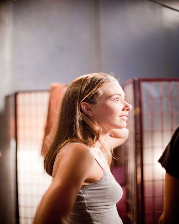 """Jessica (Austin Highsmith) zieht nach Los Angeles in einen Wohnblock namens """"The Dante"""", wo sie von den ihren Nachbarn zunächst freundlich empfange... - Bildquelle: 2009 by PARAMOUNT PICTURES CORPORATION. All Rights Reserved."""