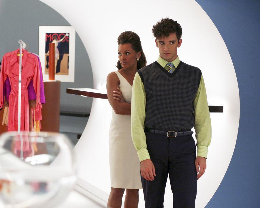 Wollen Daniel aus dem Weg räumen: Wilhelmina (Vanessa Williams, l.) und Marc (Michael Urie, r.) ... - Bildquelle: Buena Vista International Television