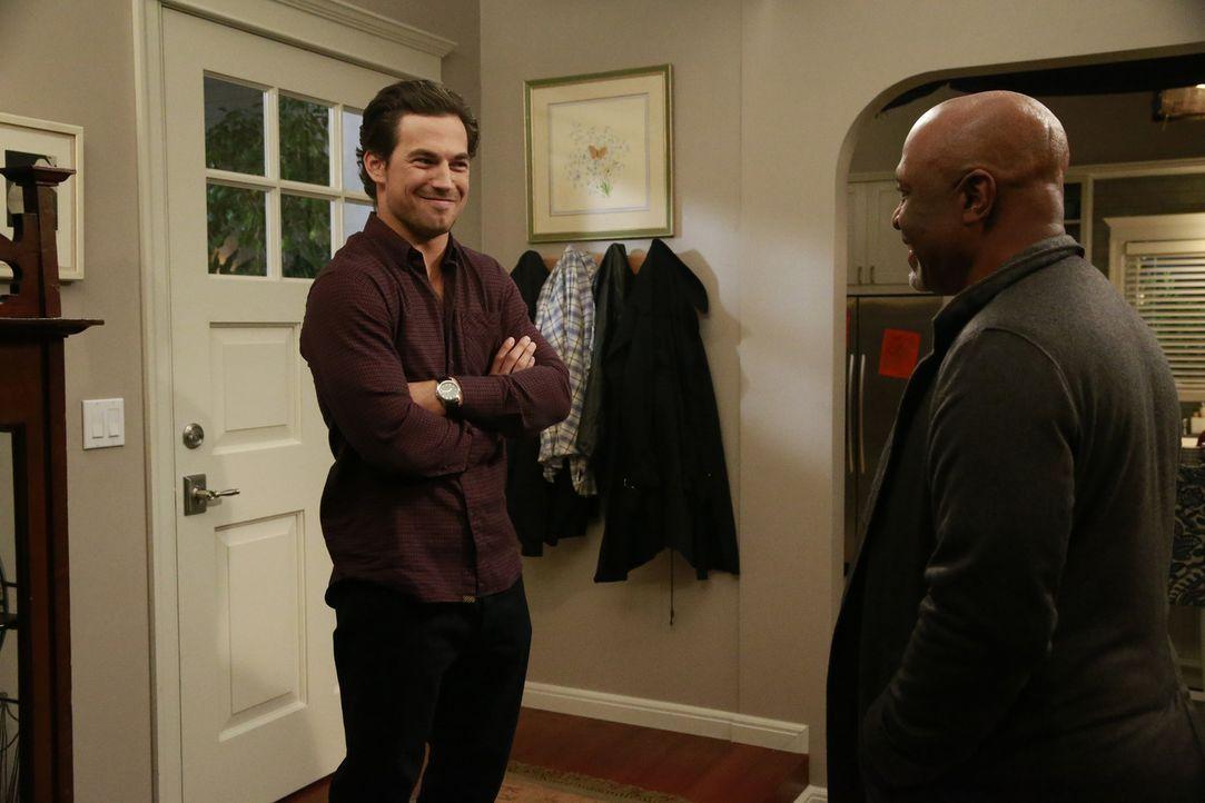 Was würde Webber (James Pickens Jr., r.) sagen, wenn er wüsste, dass Andrew (Giacomo Gianniotti, l.) mit seiner Tochter Maggie eine geheime Affäre h... - Bildquelle: Michael Hassan ABC Studios