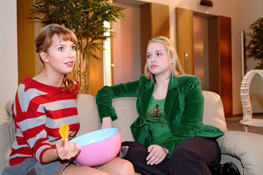 Jetzt wird Klartext gesprochen: Hannah (Laura Osswald, l.) wäscht Kim (Lara-Isabelle Rentinck, r.), die meint mit Geld alles lösen zu können, den Ko... - Bildquelle: Monika Schürle SAT.1 / Monika Schürle