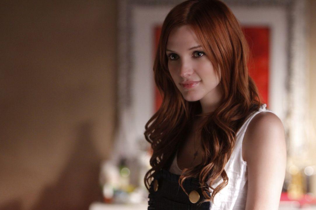 Was verbirgt Violet (Ashlee Simpson)? - Bildquelle: 2009 The CW Network, LLC. All rights reserved.