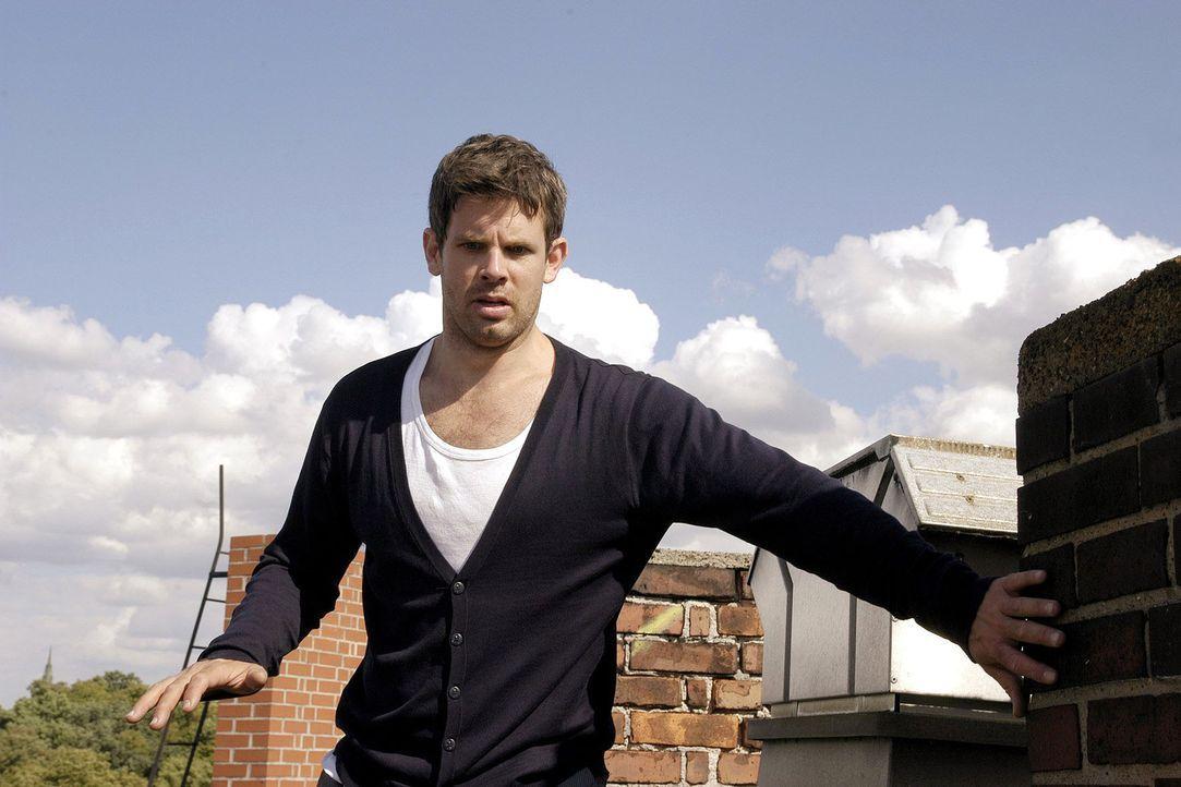 Kai (Steffen Groth) versucht seine Höhenangst zu überwinden. - Bildquelle: Sat.1