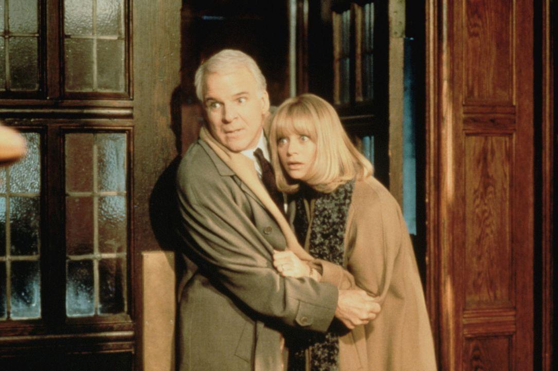 Ihr Ausflug steht unter keinem guten Stern: Henry (Steve Martin, l.) und Nancy Clark (Goldie Hawn, r.) ... - Bildquelle: United International Pictures