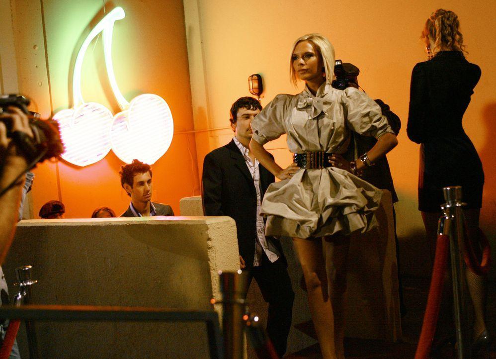 Alle interessieren sich nur für ihre Brautjungfer Victoria Beckham. Das Stinkt Wilhelmina gewaltig ... - Bildquelle: Buena Vista International Television