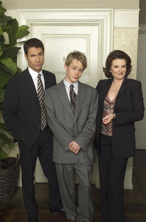 Da Will (Eric McCormack, l.) bei der Scheidung von Karen (Megan Mullally, r.) und ihrem Mann, die Interessen ihres Gatten vertritt, sucht sich Karen... - Bildquelle: NBC Productions