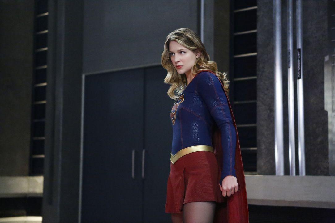 Versucht M'gann zu retten, bevor Armek ganz National City vernichtet - doch dann kann Supergirl (Melissa Benoist) plötzlich nicht mal mehr ihrer eig... - Bildquelle: 2016 Warner Brothers