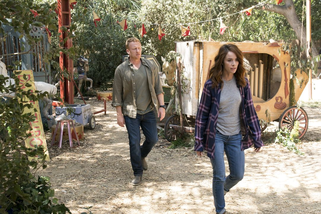 Müssen sich mit alten Wunden beschäftigen, die ihre Beziehung zueinander noch immer beeinflussen: Owen (Kevin McKidd, l.) und Megan (Abigail Spencer... - Bildquelle: Mitch Haaseth 2017 American Broadcasting Companies, Inc. All rights reserved./Mitch Haaseth