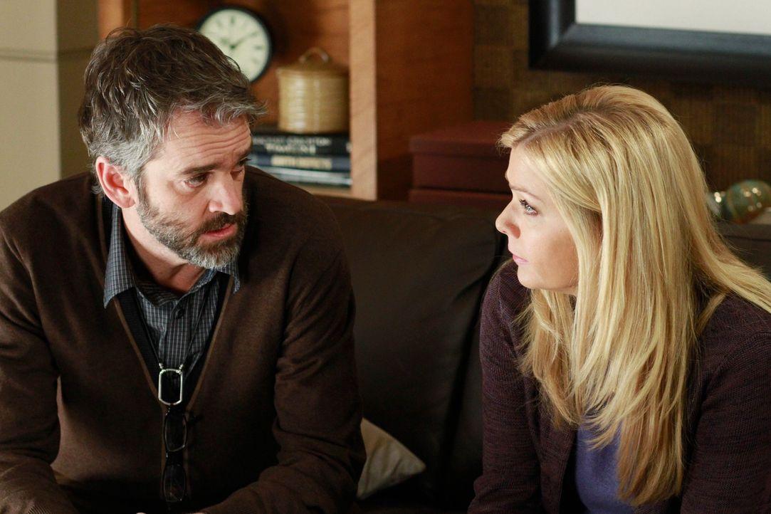 Während Charlotte und Cooper zur Paartherapie gehen, behandelt Sheldon eine Patientin mit gespaltener Persönlichkeit. Deren Schwester Lara (Jennif... - Bildquelle: ABC Studios