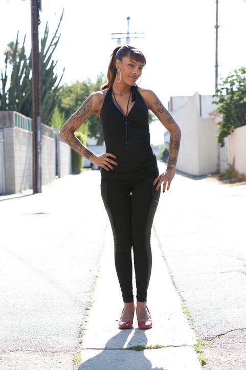 Die Tätowiererin Jasmine Rodriguez hat sich darauf spezialisiert, misslungene Tattoos auszubessern. - Bildquelle: 2012 Spike Cable Networks Inc. All Rights Reserved.