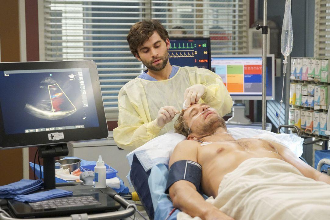 Dr. Levi Schmitt (Jake Borelli, l.); Lucas Ripley (Brett Tucker, r.) - Bildquelle: Scott Everett White ABC Studios / Scott Everett White