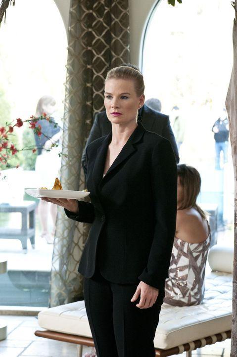 Muss anstelle von Carmen auf einer Party arbeiten: Odessa (Melinda Page) ... - Bildquelle: ABC Studios