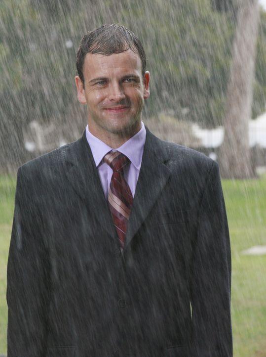 Seine Visionen werden zur Belastung: Eli (Jonny Lee Miller) könnte deshalb bald arbeitslos sein ... - Bildquelle: Disney - ABC International Television