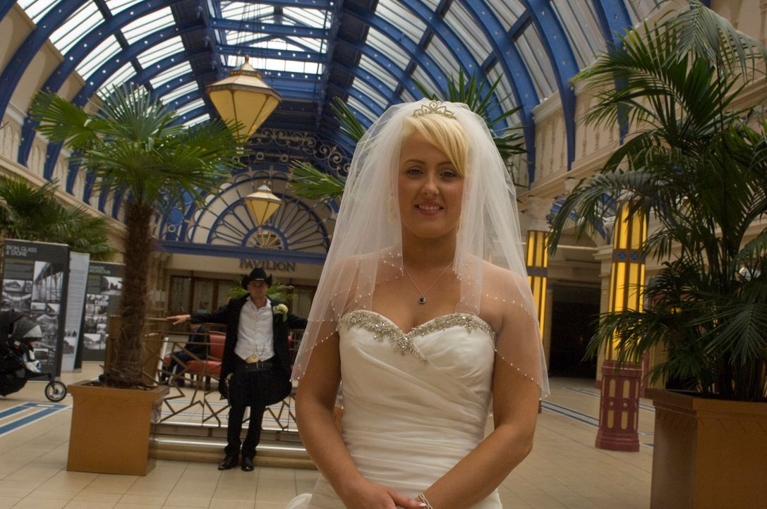 Wie kommen Mikes Ideen bei seiner Braut Katie an? - Bildquelle: Renegade Pictures Ltd