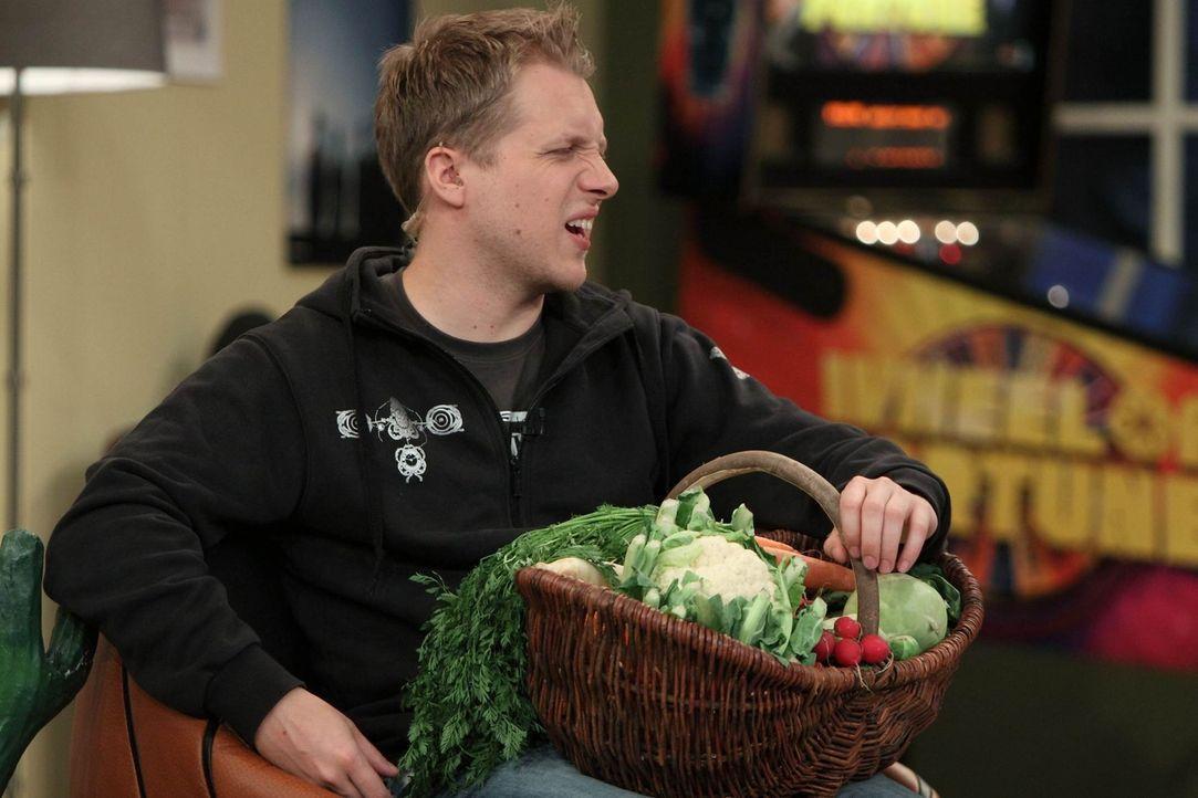 """Will berühmt werden! Seinen Einstieg in die Welt der Prominenz will er über die beliebte Sendung """"Bauer sucht Frau"""" schaffen: Oliver ... - Bildquelle: Frank Hempel SAT.1"""