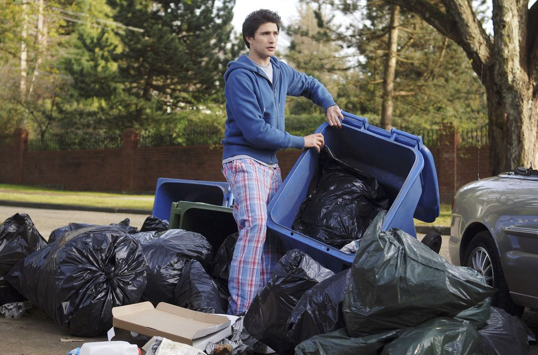 Nicht nur Kyle (Matt Dallas) lernt von den Menschen, sondern auch die Menschen von ihm ... - Bildquelle: TOUCHSTONE TELEVISION