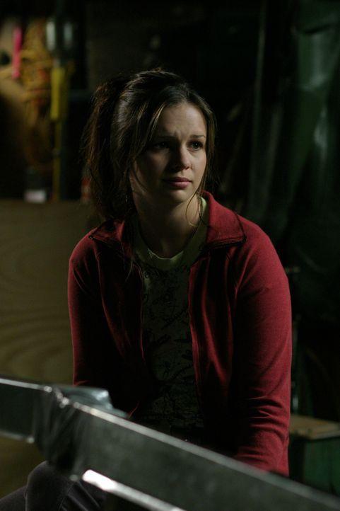 Obwohl Joan (Amber Tamblyn) keine Ahnung vom Bootsbau hat, bekommt sie von Gott den Auftrag, ein kleines Schiff zu bauen ... - Bildquelle: Sony Pictures Television