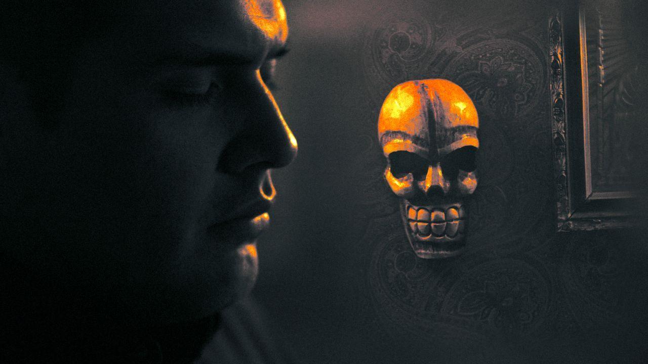 """Todesheilige """"Santa Muerte"""", Schutzpatronin der mexikanischen Drogenkartelle, Kriminellen und Mörder, tritt in Form eines verhüllten Skeletts mit ei... - Bildquelle: 2013 Syfy Media, LLC"""