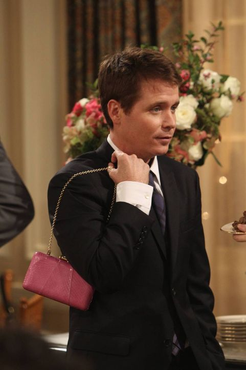 Wird Bobby (Kevin Connolly) dem frisch verheirateten Ehemann die Augen öffnen oder sogar einem noch verlobten Mann ... - Bildquelle: 2013 CBS Broadcasting, Inc. All Rights Reserved.