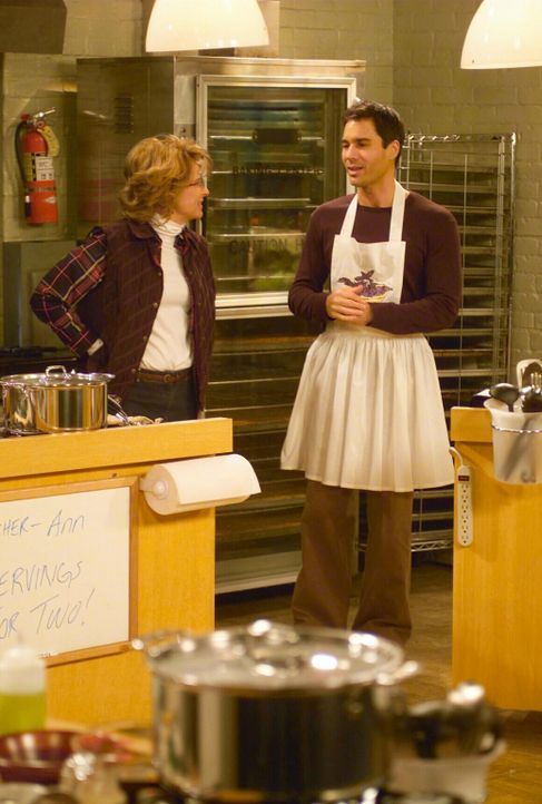 Will (Eric McCormck, r.) nimmt an einem Kochkurs bei Ann (Tracey Ullman, l.) teil. Doch der endet völlig anders als erwartet ... - Bildquelle: NBC Productions