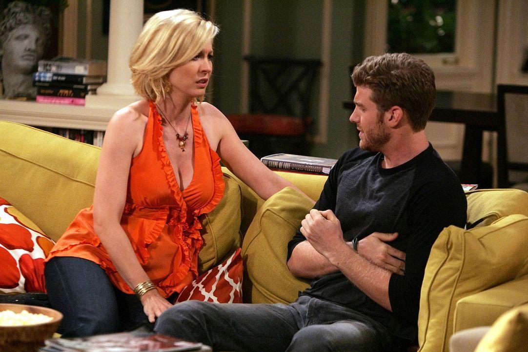 Billie (Jenna Elfman, l.) gesteht Zack (Jon Foster, r.), dass sie gerne mit ihm schlafen würde, doch der macht einen Rückzieher aus einem Grund, d... - Bildquelle: 2009 CBS Broadcasting Inc. All Rights Reserved
