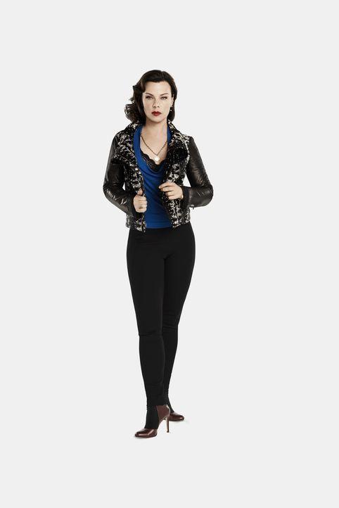 (1. Staffel) - Nachdem ihre beste Freundin verlassen wurde, gibt Maggie (Debi Mazar) ihr einen Tipp, wie sie in der Berufswelt wieder Fuß fassen kan... - Bildquelle: Hudson Street Productions Inc 2015