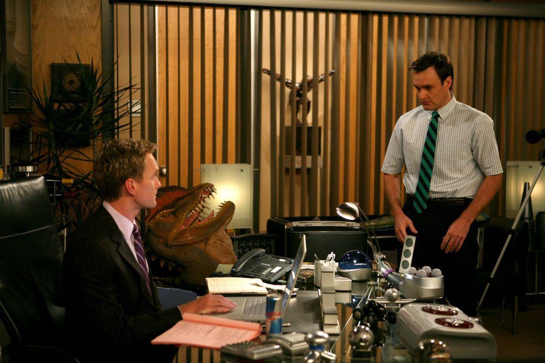 """Während Ted ein romantisches Wochenende mit Stella verbringen möchte, ist Barney (Neil Patrick Harris, l.) auf der Suche nach einem neuen """"Bro"""", was... - Bildquelle: 20th Century Fox International Television"""