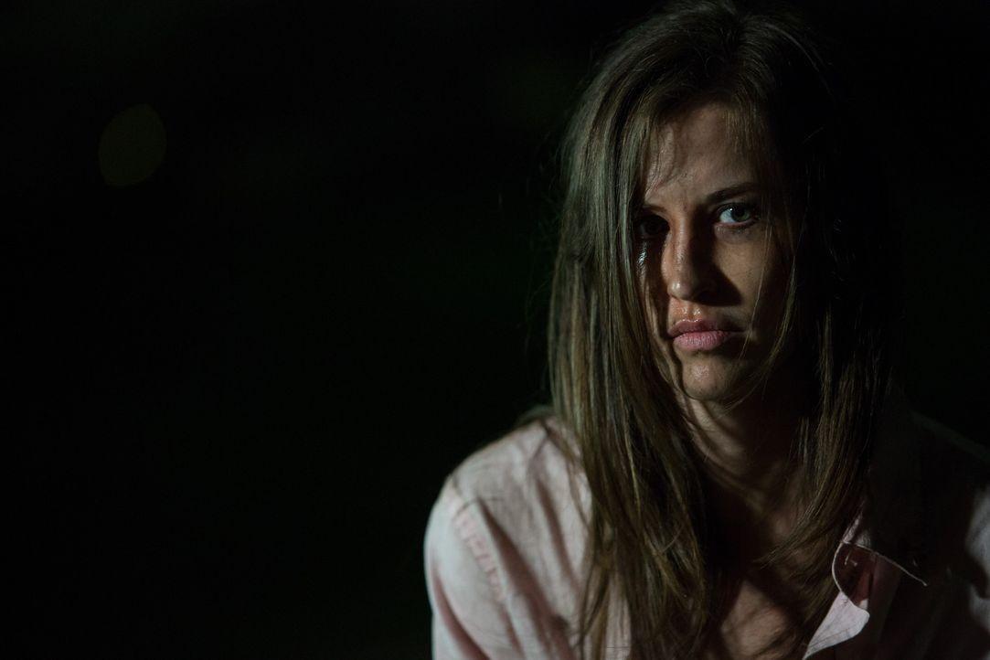 Bridget wird überfallen, ausgeraubt, vergewaltigt und angeschossen - doch sie überlebt ... - Bildquelle: Darren Goldstein Cineflix 2014