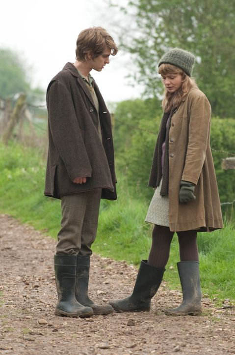 Als sich Kathy (Carey Mulligan, r.) und Tommy (Andrew Garfield, l.) nach Jahren wiedersehen, hat sich ihr Leben in vollkommen andere Richtungen entw... - Bildquelle: 2010 Twentieth Century Fox Film Corporation. All rights reserved.