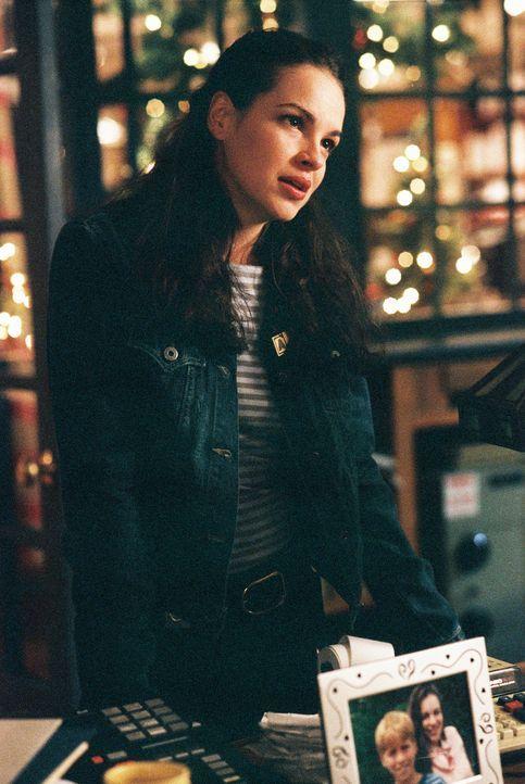 Sally (Tammy Blanchard) steckt mitten im Promotionsstress. Da tritt ein Engel in ihr Leben ein ... - Bildquelle: TM &   2012 CBS Studios Inc. All Rights Reserved.