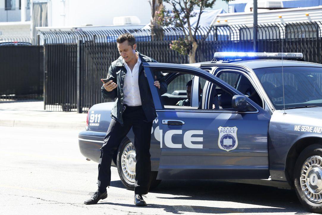 Ryan (Seamus Dever) nimmt die Spur des verschwundenen Castle auf, und die führt ihn auf einen Schrottplatz ... - Bildquelle: Kelsey McNeal ABC Studios / Kelsey McNeal
