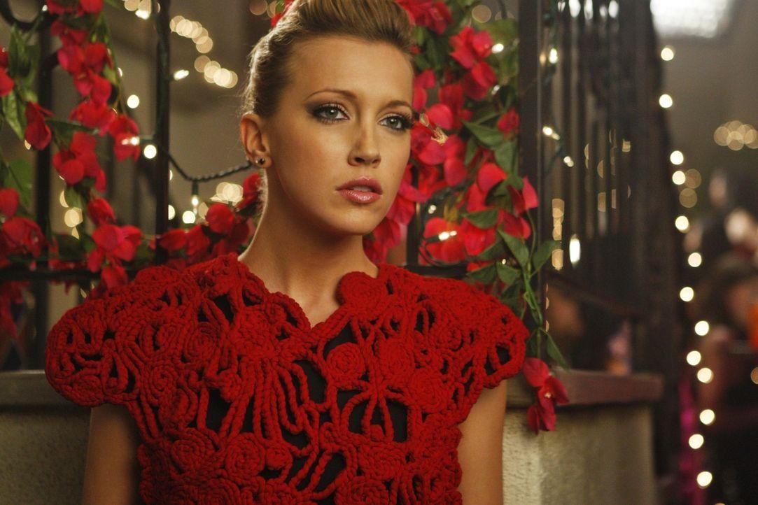 Ella (Katie Cassidy) ahnt, dass ihr jemand eine Falle stellen will - doch kann sie noch rechtzeitig dagegen ankämpfen? - Bildquelle: 2009 The CW Network, LLC. All rights reserved.