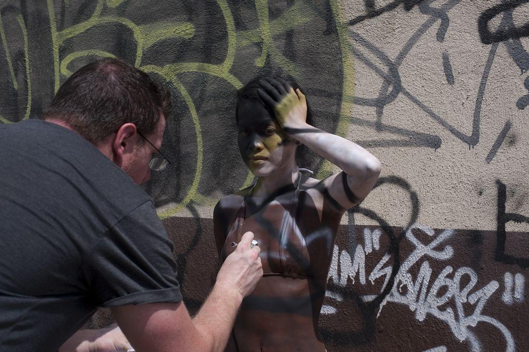Die Aufgabe fordert von TJ (l.) mehr, als alle erwartet haben ... - Bildquelle: Spike TV