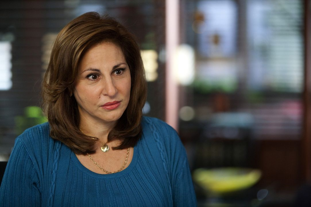 Claire Porter (Kathy Najimy), die Mutter einer Schülerin wendet sich an Jane, weil die ehemals dicke Tochter nun mit der Jilliam-Ford-Diät so viel... - Bildquelle: 2009 Sony Pictures Television Inc. All Rights Reserved.