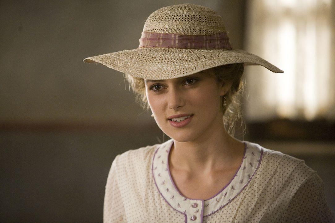 Helene (Keira Knightley) ahnt noch nichts von der wundersamen Begegnung, die ihr Mann in Japan hat ... - Bildquelle: Warner Bros. Television