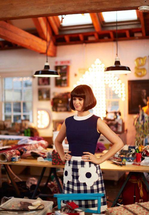 Alte Klamotten müssen nicht immer gleich aussortiert werden, denn gerade mit diesen Kleidungsstücken lässt sich der Vintage Style zum Leben erwecken... - Bildquelle: Zodiak Rights 2013