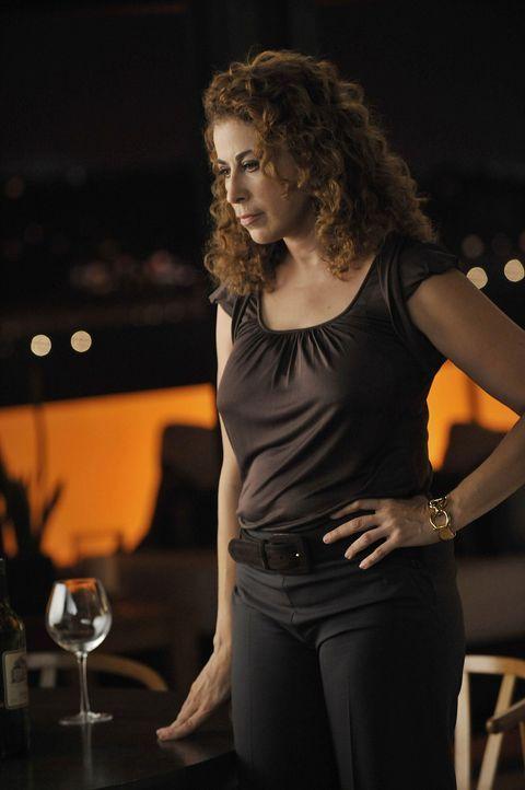 Hat sich den besten Scheidungsanwalt von L.A. gesucht, um sich an Christian zu rächen: Liz (Roma Maffia) ... - Bildquelle: Warner Bros. Entertainment Inc. All Rights Reserved.