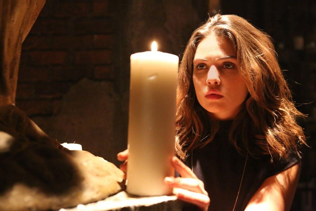 Elijah und Jackson machen sich Sorgen um Hayley, während diese ein Angebot von Davina (Danielle Campbell) bekommt ... - Bildquelle: Warner Bros. Entertainment Inc.