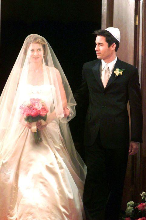 Will (Eric McCormack, r.) begleitet seine beste Freundin Grace (Debra Messing, l.) zum Altar ... - Bildquelle: NBC Productions