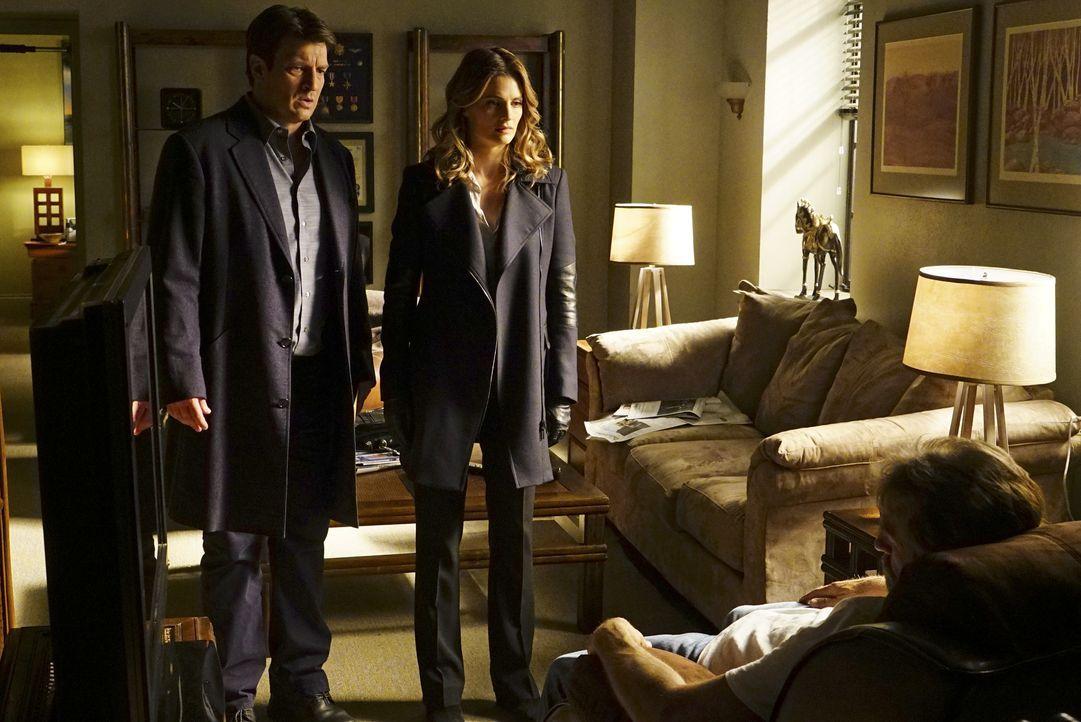 Eins ist Castle (Nathan Fillion, l.) und Kate (Stana Katic, r.) sofort klar: Der Killer ist ein Profi ... - Bildquelle: Richard Cartwright ABC Studios / Richard Cartwright