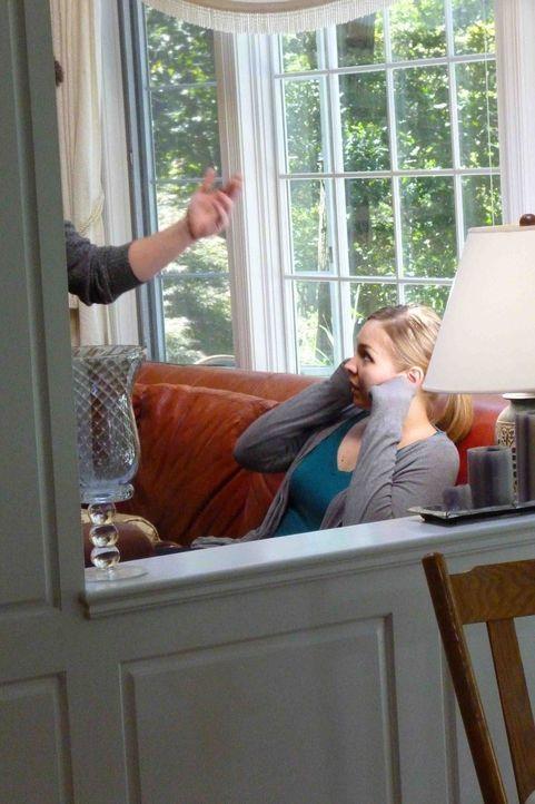 Für Alexis (Darstellerin unbekannt) beginnt ein Albtraum, als sie erkennt, welch Teufel sich hinter dem Mann verbirgt, denn sie glaubte, zu lieben .... - Bildquelle: Kate Findlay-Shirras Atlas Media, 2011